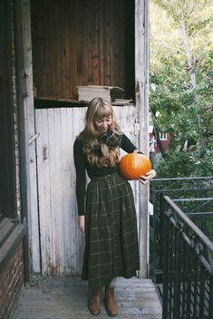 I post things relevant to myself and my likes. I do not claim these photos as my own unless stated otherwise. Skirt Outfits, Winter Outfits, Cute Outfits, Country Stil, Autumn Clothes, Moda Casual, Fall Looks, Mode Inspiration, Winter Wardrobe