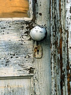 door knob  <3 (I have a thing for old white peely paint! HBShoe