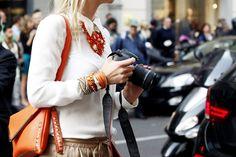 La tendencia de los collares grandes en el street style | Galería de fotos 14 de 31 | Vogue