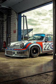 This Porsche 911 was the first turbocharged car to compete at Le Mans – so suc. - This Porsche 911 was the first turbocharged car to compete at Le Mans – so successfully that ever - Porsche 911 Rsr, Porsche Carrera, Porsche Motorsport, Porsche Cars, Le Mans, Car Iphone Wallpaper, Car Wallpapers, Carros Turbo, Martini Racing