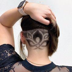 Side Cut Hairstyles, Undercut Hairstyles Women, Undercut Long Hair, Cool Hairstyles, Haare Tattoo Designs, Hair Stenciling, Undercut Hair Designs, Buzzed Hair, Shaved Hair Designs