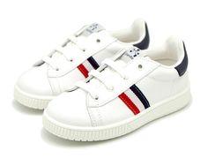 Tienda online de calzado infantil Okaaspain. Zapatilla de piel lavable  Titanitos con cordones y bandera 5e93ca71099
