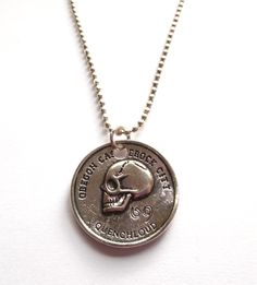Halsband med dödskalle mynt Sweden, Washer Necklace, Pendants, Necklaces, Lady, Metal, Jewelry, Jewellery Making, Jewels