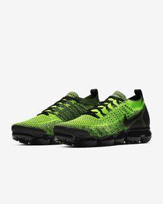 Nike Air VaporMax Flyknit 2 Sabatilles. Nike.com ES Nike Neon, Nike Air Vapormax, Yellow Nikes, Neon Yellow, Black Neon, Most Comfortable Shoes, Nike Store, Nike Flyknit, Air Max 1