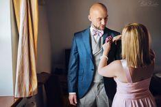 Najpiękniejsze zdjęcia ślubne    #kraków #krakow #małopolska #malopolska #dwóch #fotografów #duet #zdjęcia #ślubne #fotograf #ślubny #fotografia #ślubna #makijaż #przygotowania #kogo #do #ślubu  Jak wybrać fotografa ślubnego, fotograf ślubny Kraków kogo polecacie, białe kadry fotografia, białe kadry opinie, najlepsza fotografia, poszetka, garnitur niebieski, błekitny, granatowy, pomoc świadkowej, rola świadka na weselu  #nowy #sącz #rzeszów #zakopane #nowy #targ #pałac #zamek