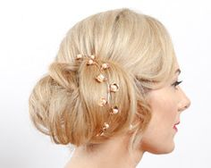 Add a soft woodland flourish to your wedding day look with our Laurel Gold Headpiece, hand pressed golden leaves lend a rustic look to your wedding day hair. Pearl Headpiece, Pearl Hair, Rose Vines, Touch Of Gold, Hair Vine, Wedding Hair Accessories, Rustic Style, Ear Piercings, Bridal Jewelry