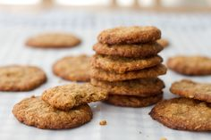 Gingersnap cookies with oats (and no eggs), from nami-nami.