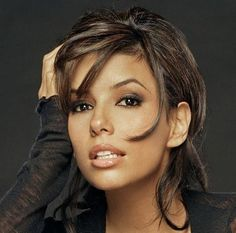 Eva Longoria looks gorgeous. The best thing to come out of Desperate Housewives don't you agree?