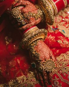 Bridal Jewellery Inspiration, Indian Bridal Jewelry Sets, Bridal Bangles, Indian Bridal Outfits, Indian Bridal Fashion, Indian Wedding Makeup, Bridal Dresses, Bollywood Stars, Bridal Looks