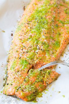 Must-Try Spicy Garlic Lime Oven Baked Salmon #salmon #dinner #recipe