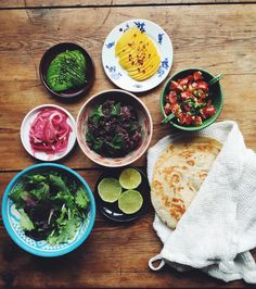Ok kids. BEAN TACOS! Black beans with garlic and coriander seeds pico de gallo mango avocado pickled onion lettuce cilantro and tortilla. CHECK MY BLOG FOR RECIPES! And it's vegan. Which is nice. This dish is very much inspired by the project Food Conspiracy with Paul Svensson and @americanexpress. Paul explores the phenomenon Gastro democracy and that is when you take street food and make it into fine dining. And vice versa. So here is my fine dining tacos kind of. Link for the first video ...