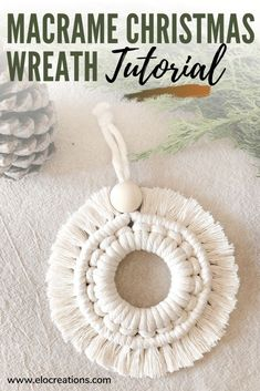 Diy Christmas Ornaments, Handmade Christmas, Christmas Wreaths, Christmas Crafts, Christmas Decorations, Ornament Tutorial, Macrame Design, Macrame Tutorial, Macrame Projects