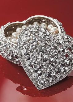 The Crystal Heart Box adds beauty to any vanity with it's sparkling Swarovski crystals and makes for the  perfect Christmas gift.