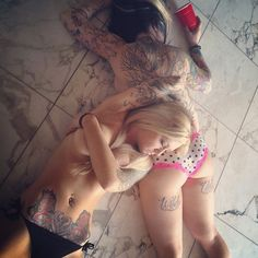 Women with Ink: Photo Sexy Tattoos For Girls, Tattoed Girls, Inked Girls, Tattoos For Women, Tattooed Women, Hot Tattoos, Girl Tattoos, Chic Tattoo, Photo Pin