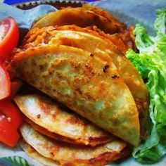 Canasta Filled with Spicy Potatoes and Cheese - Hispanic Kitchen Tacos de Canasta Filled with Spicy Potatoes and Cheese.Tacos de Canasta Filled with Spicy Potatoes and Cheese. Mexican Cooking, Mexican Food Recipes, Vegetarian Recipes, Dinner Recipes, Spanish Recipes, Drink Recipes, I Love Food, Good Food, Yummy Food