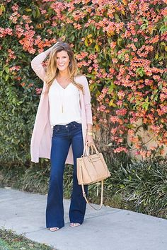 @brightonkeller  // How to style flared jeans for the perfect spring transitional outfit http://www.brightontheday.com/29341/long-cardigan-and-flared-jeans-outfit?utm_campaign=coschedule&utm_source=pinterest&utm_medium=Brighton%20Keller%20%2F%2F%20BrightonTheDay%20Blog&utm_content=Long%20Cardigan%20and%20Flared%20Jeans