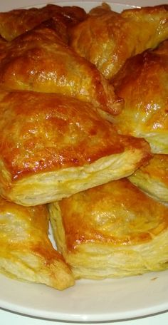 Jauheliha pasteijat (kinuskikissa) Savoury Baking, Bread Baking, Cooking Recipes, Healthy Recipes, Sweet And Salty, Bacon, Food And Drink, Snacks, Dinner
