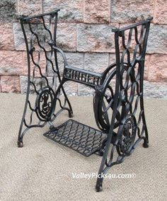 Antique Industrial Age Cast Iron Singer Sewing Machine Table Stand Base Legs