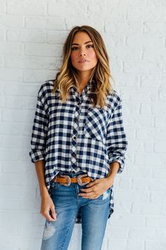 DETAILS: - Oversized boyfriend flannel - 100% flannel - Runs big - Model is wearing a small - Paired with Eunina Jeans