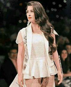 Ayeza Khan, Peplum, Tops, Women, Fashion, Moda, Women's, Fashion Styles, Woman