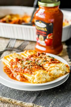 EASY CHEESY MANICOTTI Bring a restaurant classic to your dinner table with this easy cheese manicotti recipe. With tender noodles, rich red sauce, and the delicious combination of ricotta, mozzarella,. Easy Manicotti Recipe, Cheese Manicotti, Stuffed Manicotti, Italian Dishes, Italian Recipes, Manacotti Recipe, Easy Cheese, Cheesy Recipes, Dips