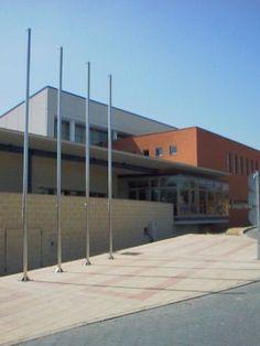 """Cortejoso y Coronado Arquitectos - Centro Deportivo """"La Palomera"""". Universidad de León."""