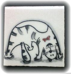 Gato - Azulejo vidrado pintura com tinta de alto fogo. 3,5 X 3,5 cm