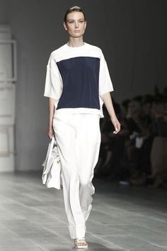 J. JS Lee Ready To Wear Spring Summer 2015 London - NOWFASHION