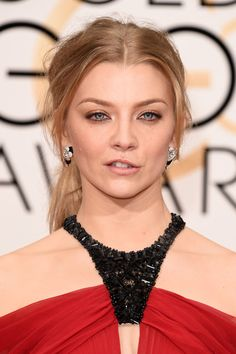 Natalie Dormer Photos - Actress Natalie Dormer attends the 73rd Annual Golden Globe Awards held at the Beverly Hilton Hotel on January 10, 2016 in Beverly Hills, California. - 73rd Annual Golden Globe Awards - Arrivals