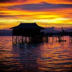 Mabul Island in Borneo #wanderlust #hut #travel #sunrise #sunset #beautiful #bestpic #love #colour #sea #ocean #borneo #malaysia #clouds #travelgram