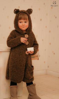 Bear cardigan, vest Skylar Knitting pattern by Muki Crafts Baby Knitting Patterns, Christmas Knitting Patterns, Arm Knitting, Animal Sweater, Super Bulky Yarn, Baby Scarf, Crochet For Boys, Dress Gloves, Red Heart Yarn