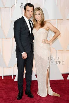 Jennifer Aniston Sparkles On The Red Carpet With Justin Theroux By Her Side At The Oscars! - VyuTV