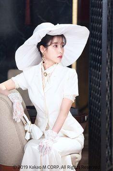 #IU #Hotel_Del_Luna #tvN #JangManWol #LeeJiEun #YeoJinGoo Kpop Fashion Outfits, Korean Outfits, Iu Hair, Luna Fashion, Kpop Mode, Mode Kawaii, Korean Celebrities, Costume, Kpop Girls