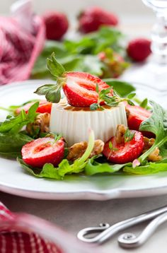 Strawberry, Walnut, and Goat Cheese Salad
