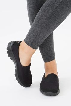 black skechers ladies