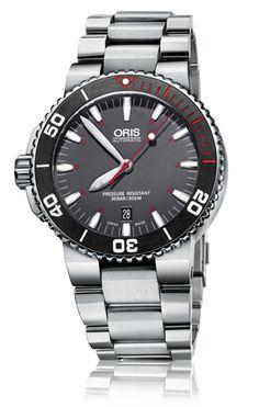 Oris Aquis Red リミテッドエディション  ダイバーズウォッチはこまめに見ると左利きバージョンがあるんだよなあ。。 #watches