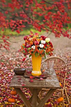 Oh how I long for Autumn. it's cool mornings, falling leaves. Welcome Autumn. Autumn Day, Autumn Leaves, Autumn Table, Autumn Flowers, Red Leaves, Autumn Colours, Falling Leaves, Deco Floral, Seasons Of The Year