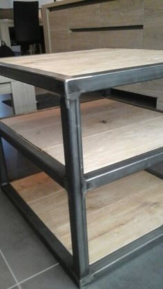 Side-table 3 laags