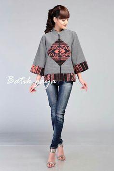 Lovely I'm so jealous Batik Blazer, Blouse Batik, Batik Dress, Batik Fashion, Ethnic Fashion, Hijab Fashion, Womens Fashion, African Dresses For Kids, African Wear