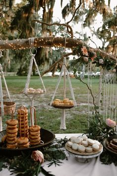 This couple wanted their large, southern wedding to be different: they chose to wed at Gascoigne Bluff and catered their outdoor reception with Waffle House wedding food catering This DIY Georgia Wedding at Gascoigne Bluff was Catered by Waffle House Low Budget Wedding, Wedding Reception Food, Wedding Catering, Wedding Dinner, Reception Ideas, Decor Wedding, Brunch Wedding Receptions, Wedding Rehearsal Dinners, Hippie Wedding Decorations