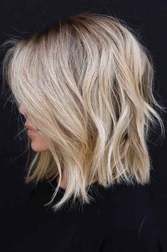 Trendy Hair Highlights : Color and cut! Trendy Hair Highlights : Color and cut! Medium Hair Styles, Curly Hair Styles, Shag Hairstyles, Hairdos, Blonde Long Bob Hairstyles, Haircuts For Thin Hair, Long Bob Haircut With Layers, Haircut Long, Haircut Style