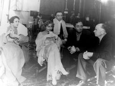 """carole lombard my man godfrey. Carole Lombard made two films at Universal, both in 1936: """"Love Before Breakfast"""" and the screwball par excellence """"My Man Godfrey"""" (she's shown above with fellow cast members Alice Brady, Mischa Auer and William Powell as well as director Gregory La Cava)."""