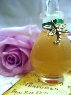 Moon,Valley,Parfum,botanical perfume,Fragrance,Perfume,natural_perfume,peach_perfume,iris_perfume,vetiver,oakmoss,heliotrope,jasmine,lilac,t...