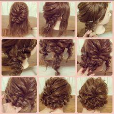大人ゆるアップヘアのやり方♡ 両サイドは半分に分けて三つ編み。もう半分の束をねじりながら三つ編みの網み目にランダムに通していって1 本にする。後ろもざっくり編み、くるんと丸めて止める。サイドも止める。 #ヘアアレンジ #ヘアセット #結婚式 #パーティー #お呼ばれ #成人式 #アップヘア #やり方 #大人かわいい