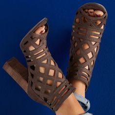 Shoespie Coffee Caged Shoes