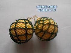 palline per l'albero di natale                           prezzo una 3.00 euro coppia 5.00 euro