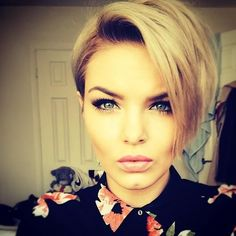 Short hairstyles with Courage - Hairstyle Center!