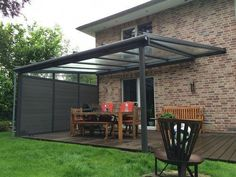 Terrassendach Buxtehude When old within concept, this pergola is suffering from a bit of a Small Pergola, Pergola With Roof, Patio Roof, Pergola Patio, Pergola Kits, Backyard Patio, Small Patio, Cheap Pergola, Gazebo Ideas