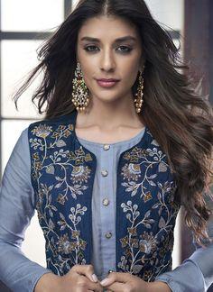 Simple Kurti Designs, Fancy Blouse Designs, Stylish Dress Designs, Stylish Dresses, Hand Embroidery Dress, Kurti Embroidery Design, Salwar Suit Neck Designs, Kurta Designs, Indian Fashion Dresses