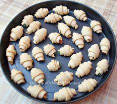Cornulete fragede si vanilate (de post) - Bunătăți din bucătăria Gicuței Pie, Desserts, Food, Torte, Tailgate Desserts, Cake, Deserts, Fruit Cakes, Essen